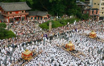 神輿 神社前